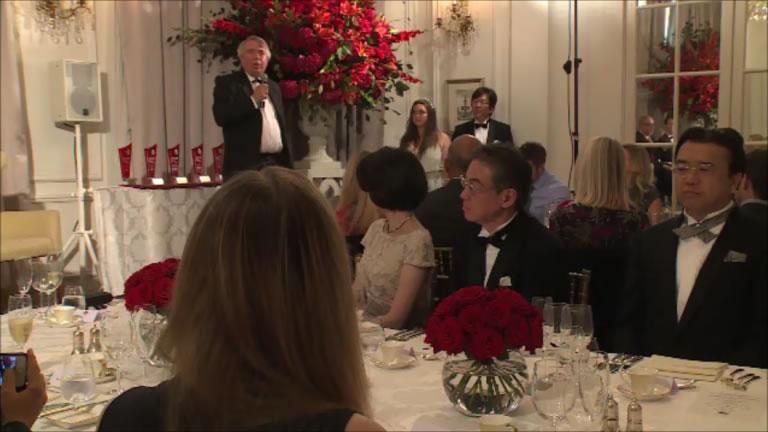 ニック・ホーキンスHvOアカデミー委員長による開会の挨拶。   Mr. Nick Hawkins, the chairman of the HvO Academy opened the ball with his speech.